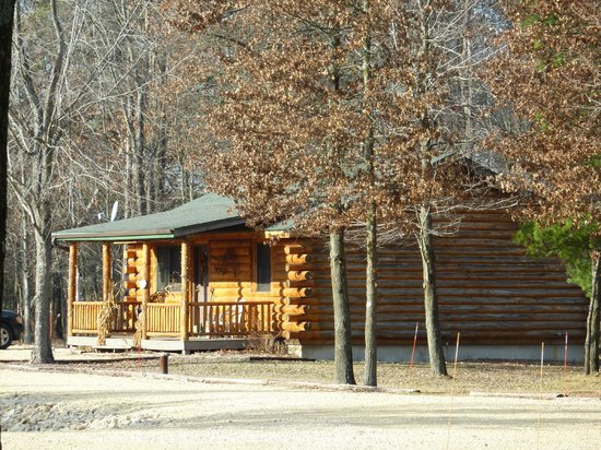 Little Pond Lodge Cabins : All cabins are like this