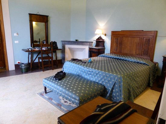 Hotel Palazzo Guadagni: Our lovely bedroom