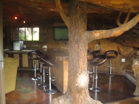 Inkunzi Cave & Zulu Hut: Bar in the Inkunzi Cave