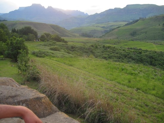 Inkunzi Cave & Zulu Hut: Views from the Inkunzi Cave