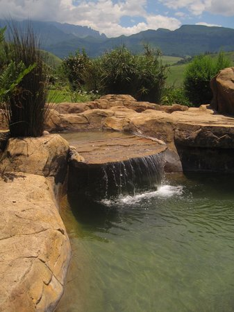 Inkunzi Cave & Zulu Hut: Beautiful rock pools around the Inkunzi Cave area