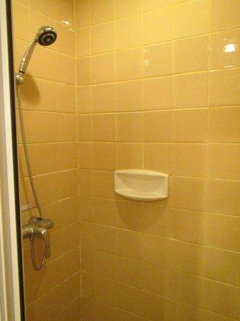 Gerard Habitat : Bathroom detail 02