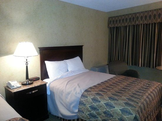 Poughkeepsie Grand Hotel: Double-beds