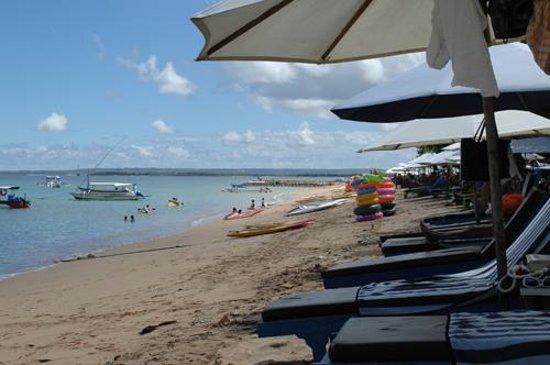 Big Pineapple Backpackers: Sanur beach