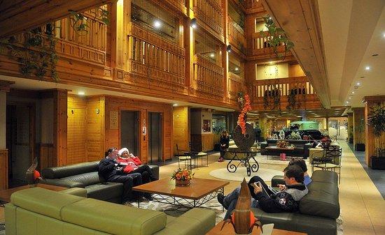 Hotel Nordic: Lobby/bar area