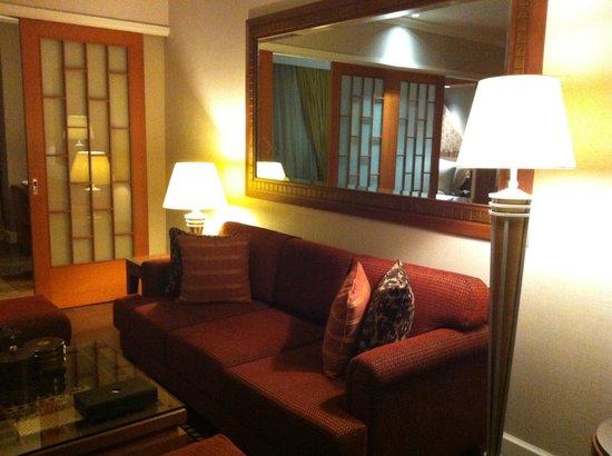 Mayfair, Bangkok - Marriott Executive Apartments : Living