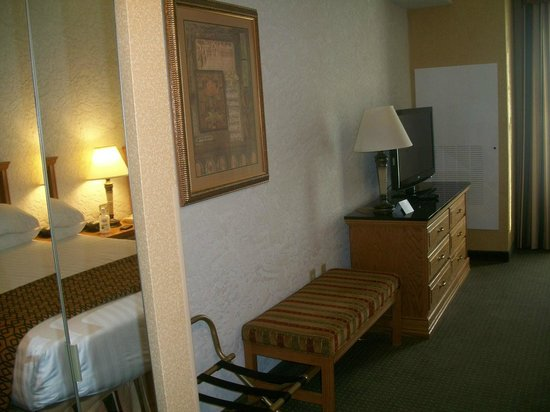 Drury Inn & Suites Amarillo: Drury Inn & Suites Hotel Room