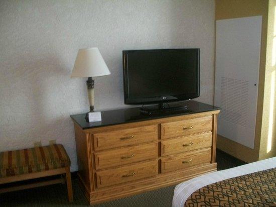 Drury Inn & Suites Amarillo: Drury Inn & Suites Hotel Room TV