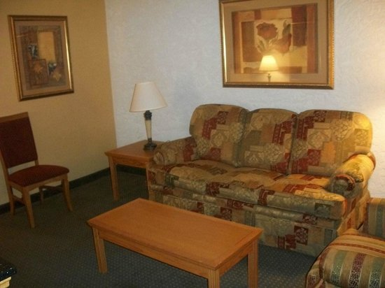 Drury Inn & Suites Amarillo: Drury Inn & Suites Hotel Room Suite