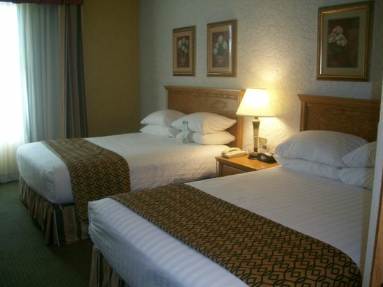 Drury Inn & Suites Amarillo: Drury Inn & Suites Hotel Room Beds