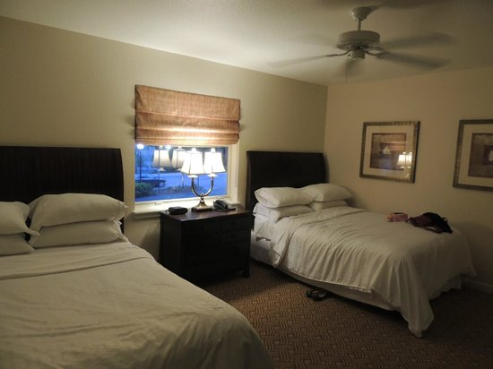 Sheraton Vistana Resort Villas- Lake Buena Vista : suite com 2 camas queen