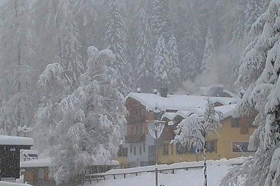 Фольгарида, Италия: Neve...neve...neve...