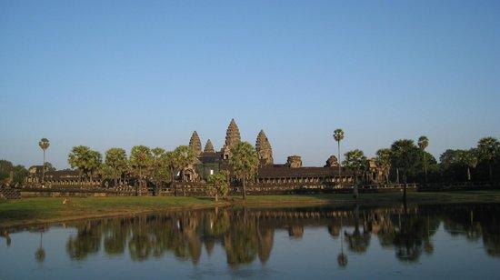 Memoire d' Angkor Boutique Hotel : Angkor Wat getting near dusk