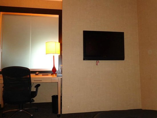 Hilton Garden Inn San Antonio Airport South: TV in living area that never worked.