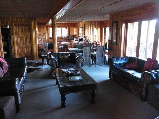 Addo Afrique Estate: Wohnraum mit Küche