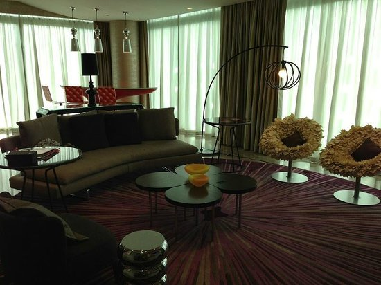 W Singapore Sentosa Cove : Suite living room