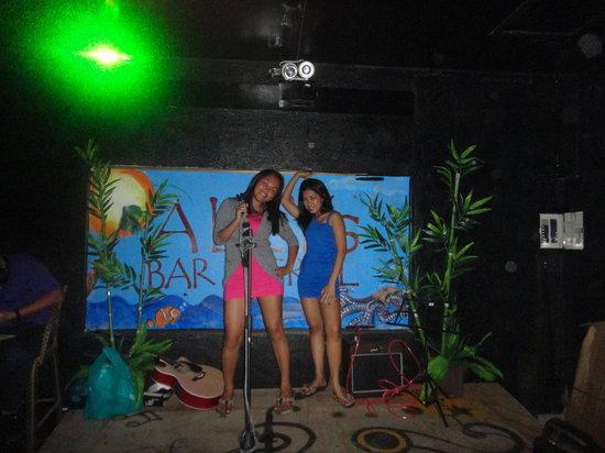 Ally's Bar & Grill : rockstars