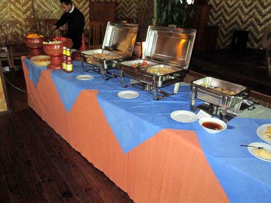 Golden Island Cottages - Nampan: breakfast buffet