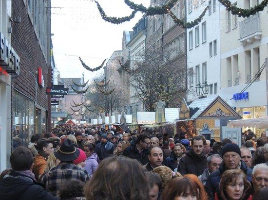 Vieille ville (Altstadt) : Eind november al gezellig druk