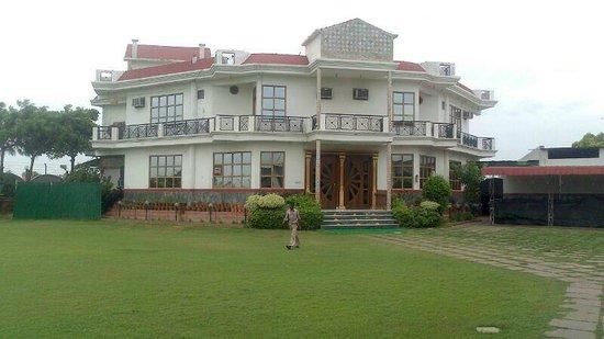 Nathu's Restaurant and Garden City Resorts