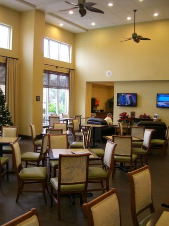 Hampton Inn & Suites Fort Myers - Colonial Blvd : Breakfast area