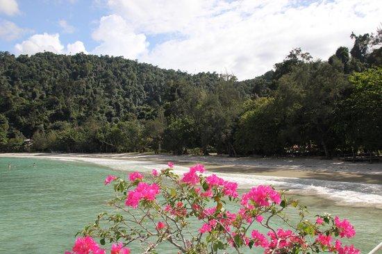 Bunga Raya Island Resort & Spa: Beach