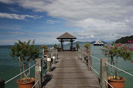 Bunga Raya Island Resort & Spa : The Jetty