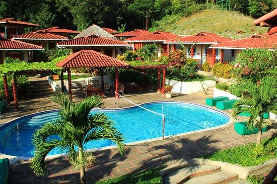 Casa Maderas Ecolodge: Espace piscine