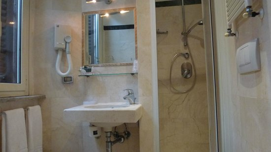 Hotel Abruzzi : Bathroom