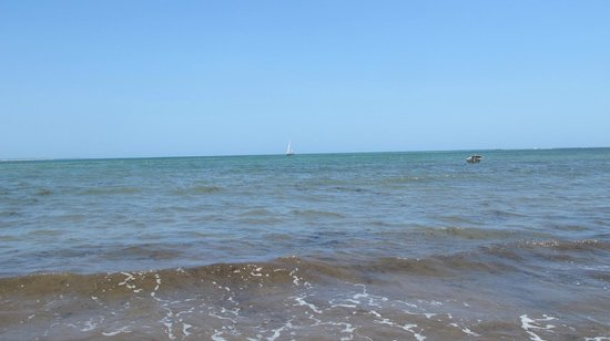 Che Shale: Beautiful blue waters and skies
