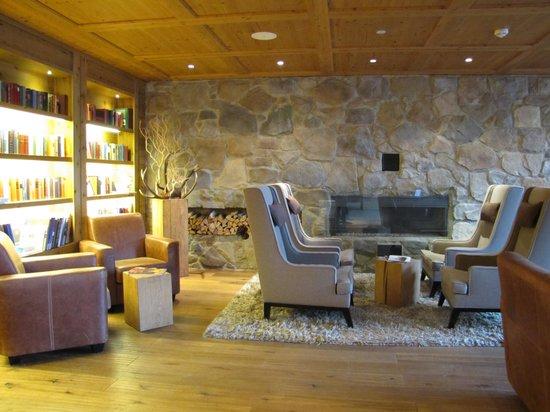 Grand Tirolia: Tirolia Lobby