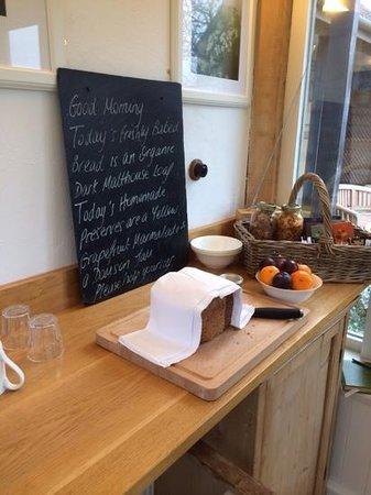 Carriers Farm Bed & Breakfast : the Breakfast Room