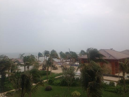 Sunrise Premium Resort Hoi An : View from the Ocean View Deluxe Room (bit windy!)