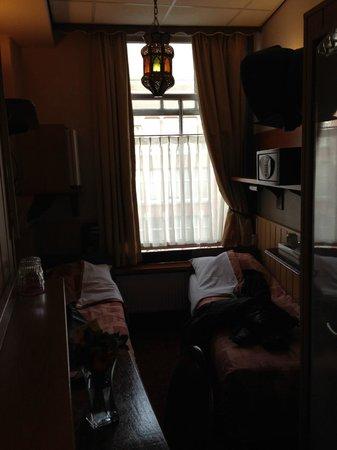 Hotel Nadia: Mini Zimmer