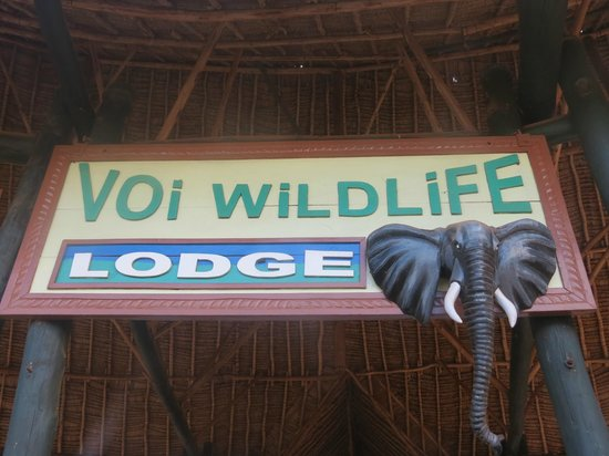 Voi Wildlife Lodge: l'ingresso del lodge...
