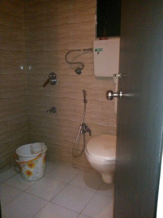 Pali Beach Resort: Washroom