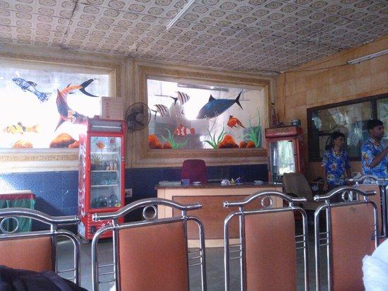 Pali Beach Resort: Resturant Inside