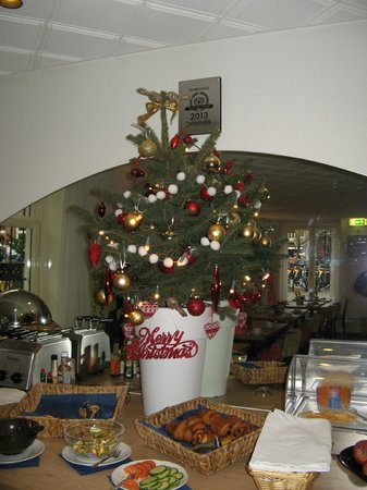 Hotel Fita: Christmas buffet table