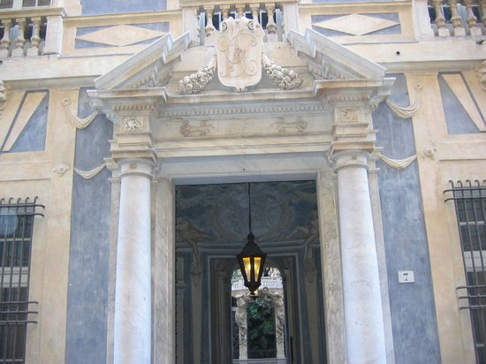 Via Garibaldi : Palazzo Lomellino-Podestà