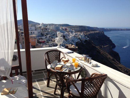 Kastro Suites Santorini: Private hotel terrace