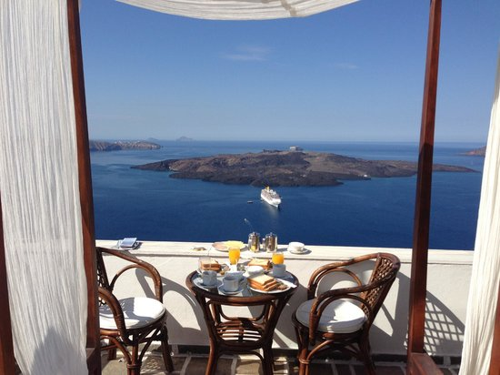 Kastro Suites Santorini: Private hotel terrace