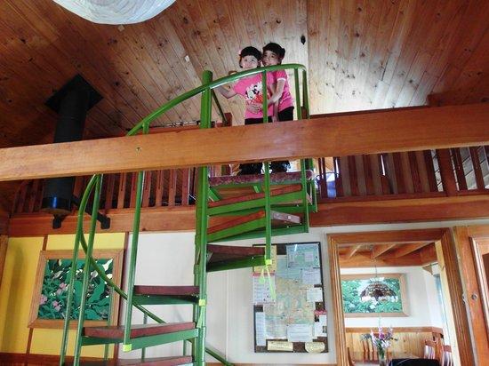 AAA Granary Accommodation: 2-Storey Cottage..Kids love it
