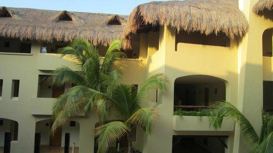Один из корпусов отеля  Iberostar Paraiso Lindo
