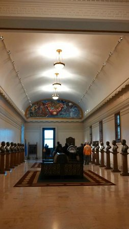 State Capitol : Hall of Governors