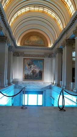 State Capitol: Art