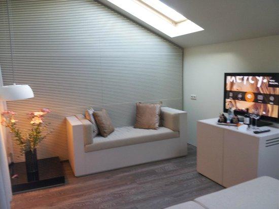 9HOTEL MERCY: Wohnzimmer Suite
