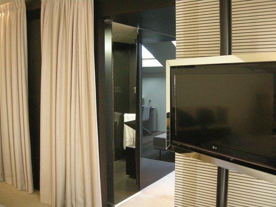 9HOTEL MERCY: Flat Schlafzimmer & Bad