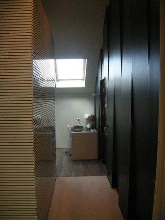 9HOTEL MERCY: Blick zu Wohnzimmer