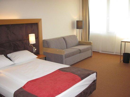 Dorint Hotel Frankfurt-Niederrad: room