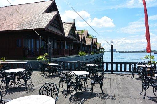 Hotel Pantai Gapura Makassar: Vanaf het barplatform gezien
